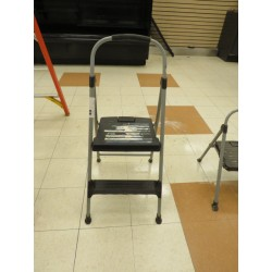 Lot 40 - STEP LADDER