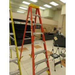Lot 48 - 8FT WERNER LADDER