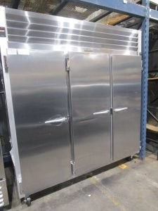 TRAULSEN G30011 3 DOOR STAINLESS STEEL REACH IN COOLER REFRIGERATOR